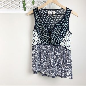 Anthropologie Akemi + Kin Embroidered Tank sz Sm